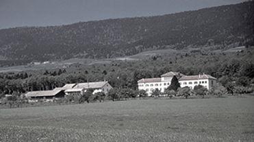 Le Devens, colonie agricole de l'Armée du Salut pour personnes dépendantes de l'alcool.