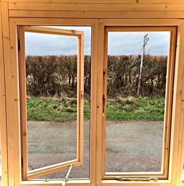 Shepherd's Hut Kit Windows