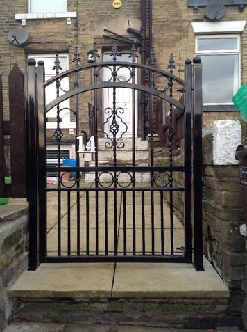 Single Gate 13