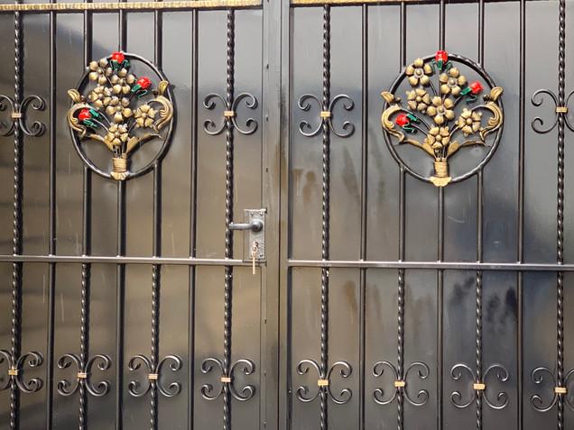 Sheeted Gates 10