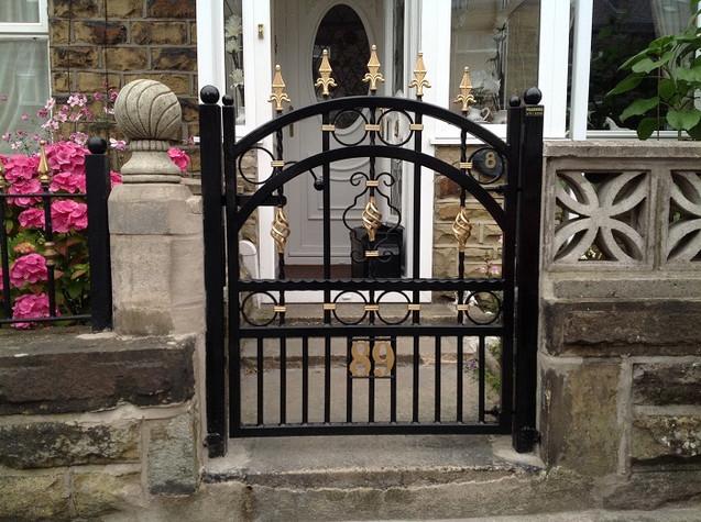 Single Gate 12