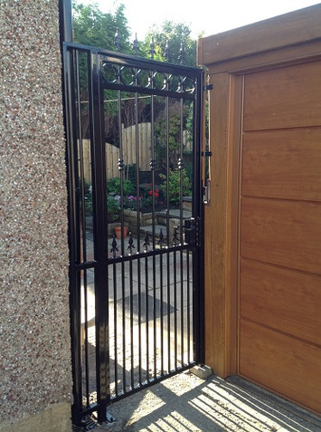 Security Gate 17