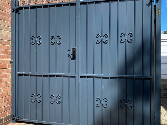 Sheeted Gates 12
