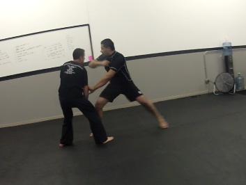 Traveling Ronin mentions Sifu Tom Lugo on Jeet Kune Do: Ballistic Fighting Methods blog
