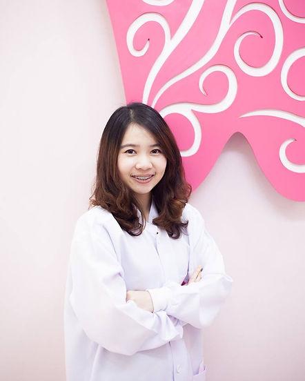 Ideal-Smile-Dentist-08.jpg