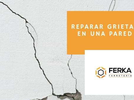 Cómo reparar grietas en la pared