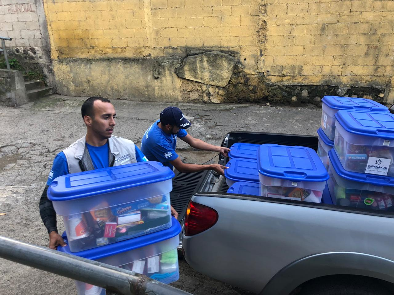 cajas de ayuda humanitaria