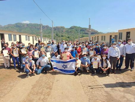 Embajada de Israel y Comunidad Judía entregan 39 casas a damnificados por erupción del volcán de Fue