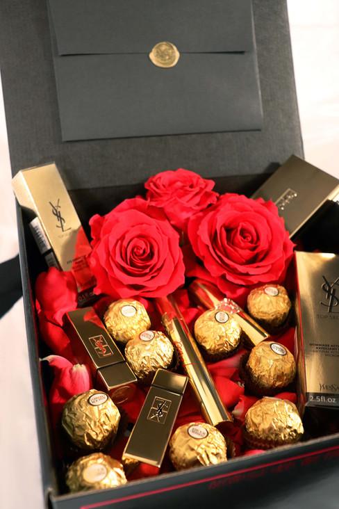 The-Fabulous-Gift-box-09.jpg