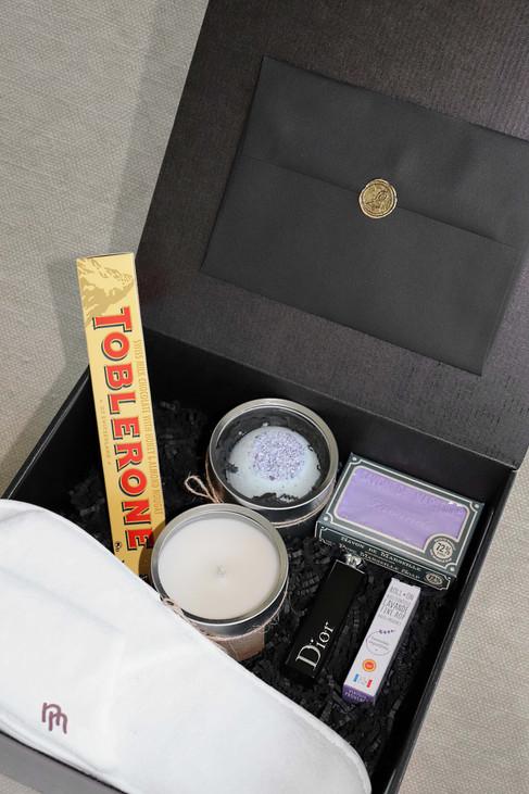 The-Fabulous-Gift-wedding-box-6.jpg