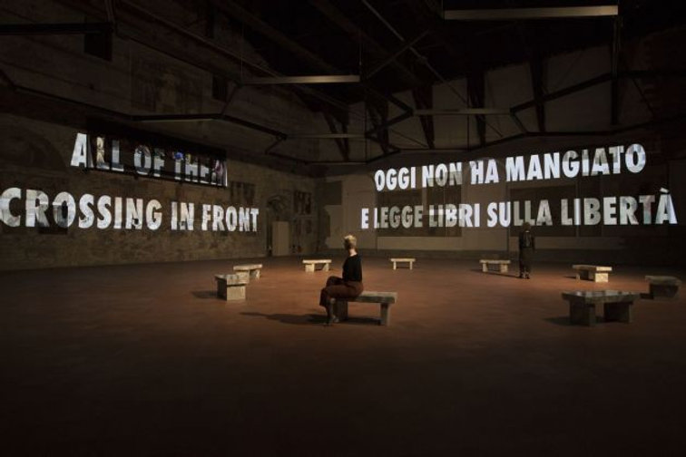 Jenny-Holzer.-Tutta-la-verità-The-Whole-