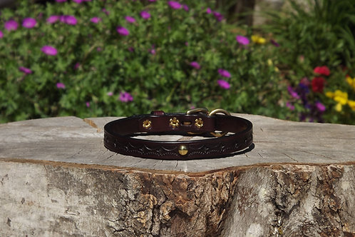 """Tooled Red Mahogany Collar with Solid Brass Spot Accent (Fits 12""""-13"""" neck)"""