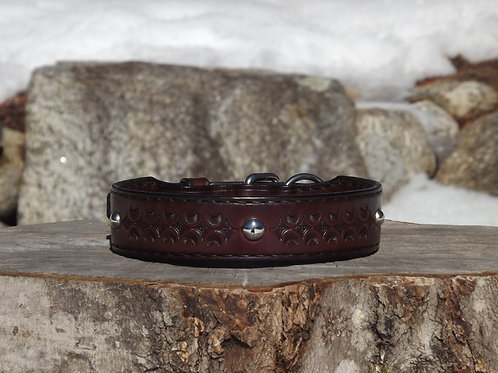 """Tooled Rich Brown Buckle Collar with SS Spot Accents (Fits 15 3/4""""-17 1/4"""" neck)"""