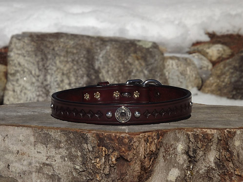 "Tooled Rich Brown Buckle Collar w/ Concho & SS Spots (Fits 17 1/4""-18"" neck)"