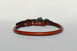 Hand stitched rolled buckle collar
