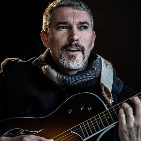 Fred_Guitar7.jpg