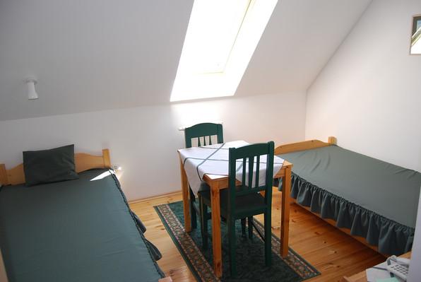 12. szoba