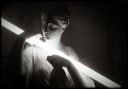 esculturaNeonB&W1.jpg
