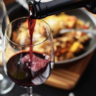 Maridar la comida con un buen vino es ta