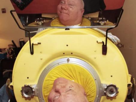 臥床69年,他躺出的傳奇人生