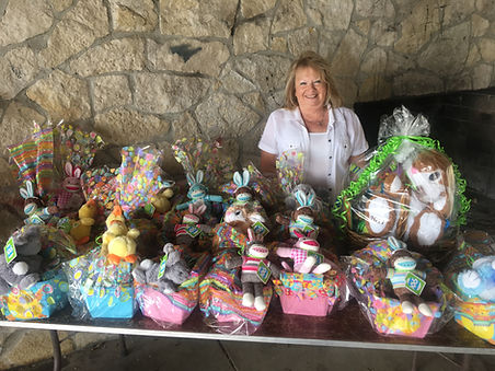 Easter Baskets with Kiwanian Linda Brono
