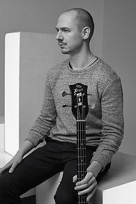 Horváth Ede Bence - basszusgitár - Elefánt