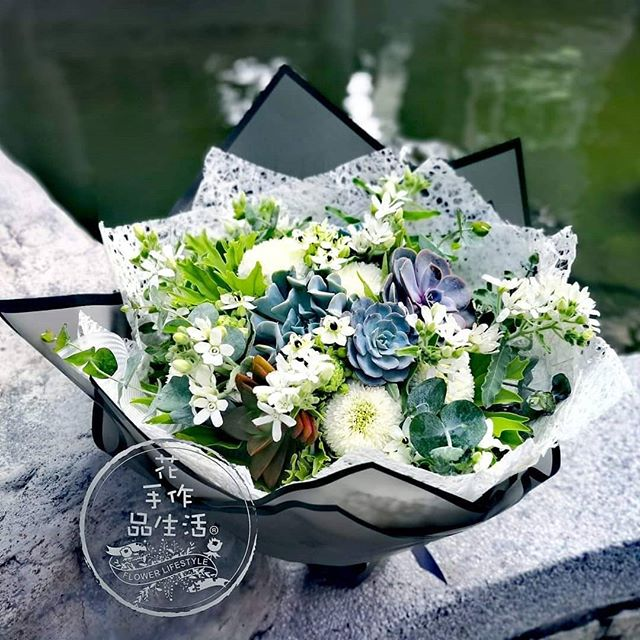 想要與眾不同的花束嗎! 該對有情之人表達一點心意了。  #有情之人不一定是情人