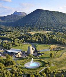 vulcania-vue-aerienne-jdamase-1600x900_e