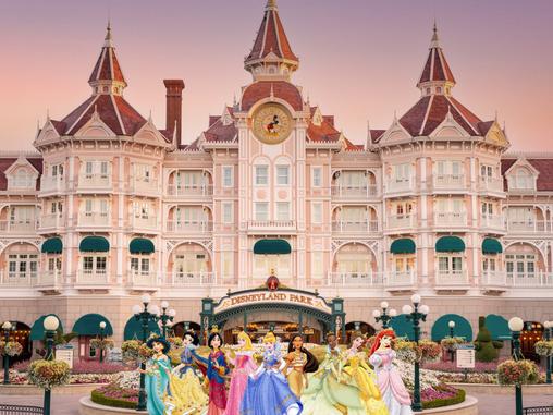 Disneyland Paris 2023/4 : Le Disneyland Hôtel vit une réhabilitation majeure