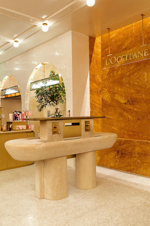Parfums occitane en fontaine