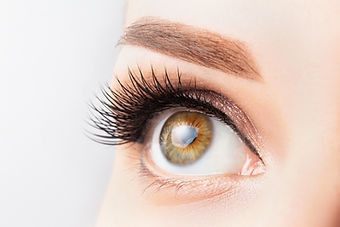 female-eye-with-long-eyelashes-beautiful