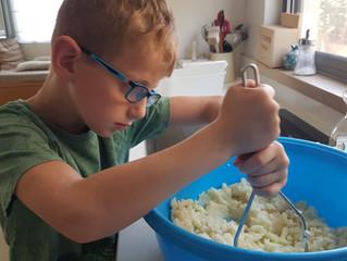 שילי ור' מכינים שניצל תירס שילדים אוהבים