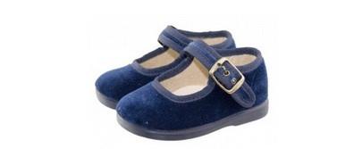 Los zapatos eran azules