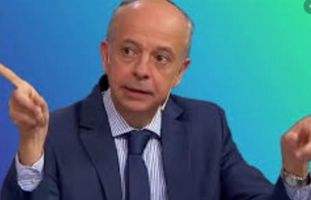 Javier García: si se asustan del gasto en aviones chatarra, no vieron el balance de la Caja Militar