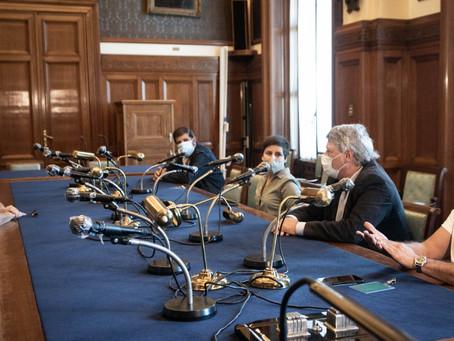 La Comisión Nacional Pro Referéndum se reunió con la vicepresidenta de la República Beatriz Argimón