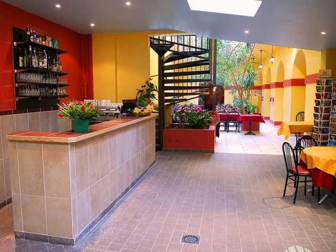 Bar in Nice Center Restaurant