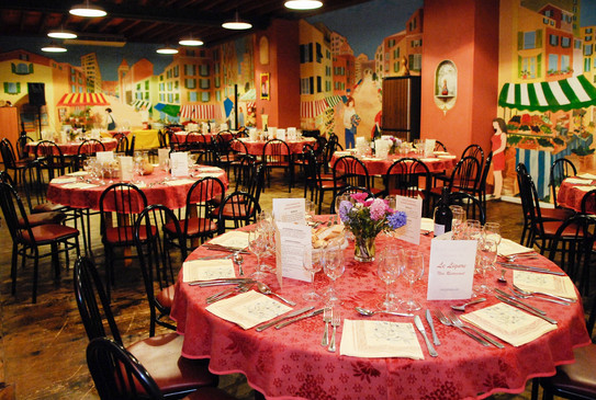 Up to 250 guests Restaurant