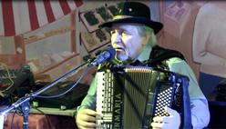Chanteur accordéoniste