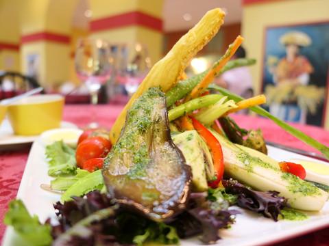 Bouquet de légumes, sauce anchoïade, tapenade - option 🌱