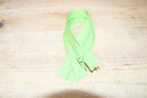 Reissverschluss fein 20cm lang /grün