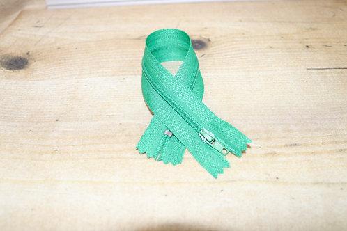 Reissverschluss fein 20cm lang / dunkelgrün
