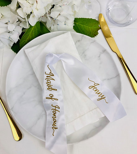 Embroidered Double Knot Tie Place Setting