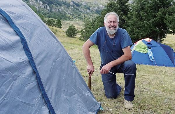 Stafano e tenda.jpg