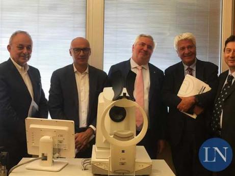 LECCO - ANCoS Confartigianato dona un nuovo biometro per l'Oculistica dell'ospedale di Lecco