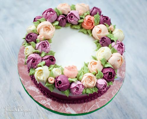 кремовые торты с цветами фото