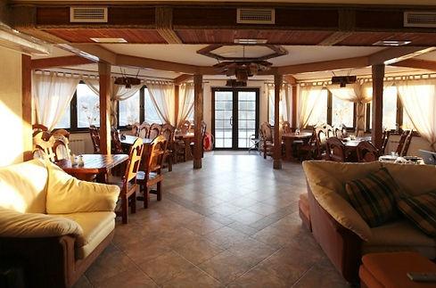 """База отдыха на Ладожском озере """"Порт Кобона"""". Видовой ресторан на 45 посадочных мест."""