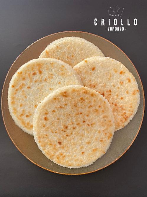 Arepas maiz con queso (corn and cheese arepa) Criollo 6pc