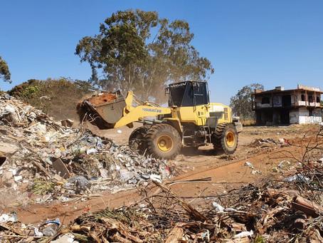 Administração do Jardim do Ingá realiza mutirão de remoção de entulhos às margens da BR-040