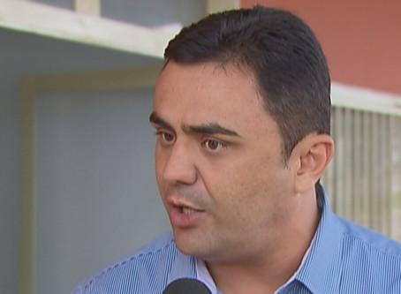 MP aciona prefeito afastado de Luziânia e requer bloqueio de mais de R$ 3 milhões em bens