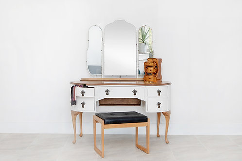 Butilux Dressing Table